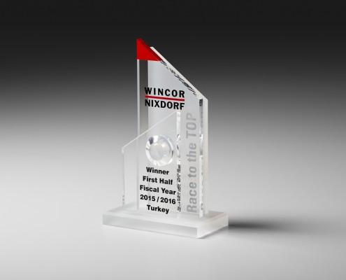 Pokal aus Acrylglas mit Acrylglaskugel